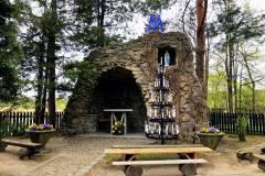 Grota-przy-Kościele-pw.-Św.-Wawrzyńca-Ligocka-Kuźnia