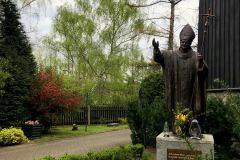 Przy-Kościele-pw.-Św.-Wawrzyńca-Ligocka-Kuźnia
