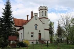 Leśniczówka-Zamek-w-Zwonowicach.